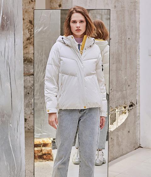 AAAA4F4A6152 1 Womens Sports Basic Hoodie Short Down Jacket 1